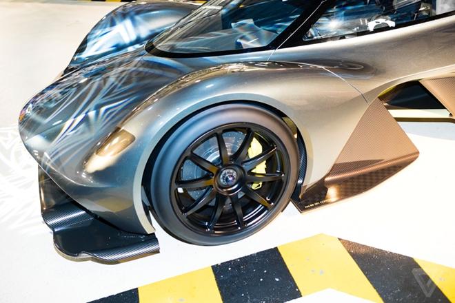 Aston Martin san xuat sieu xe F1 duong pho gia 4 trieu USD hinh anh 7