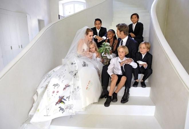 Khoanh khac dep cua Brad Pitt va Angelina Jolie trong 13 nam hinh anh 15