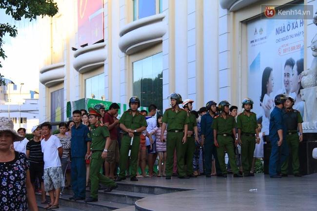 Náo loạn tại Trung tâm thương mại Big C Đà Nẵng - Ảnh 2.