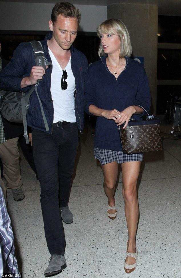 Taylor Swift đã muốn cưới Tom Hiddleston sau vài tuần hẹn hò? - Ảnh 1.