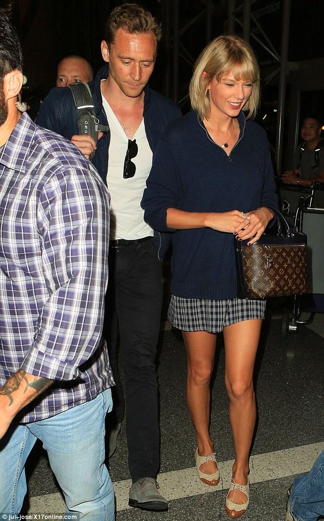 Taylor Swift đã muốn cưới Tom Hiddleston sau vài tuần hẹn hò? - Ảnh 2.