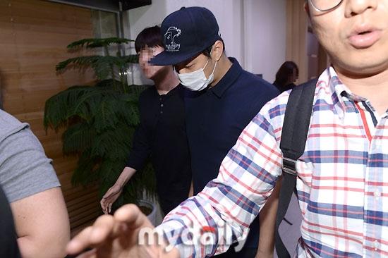 Hot: Cảnh sát Gangnam tuyên bố ADN trên tang vật đầu tiên trùng khớp với Yoochun (JYJ) - Ảnh 2.