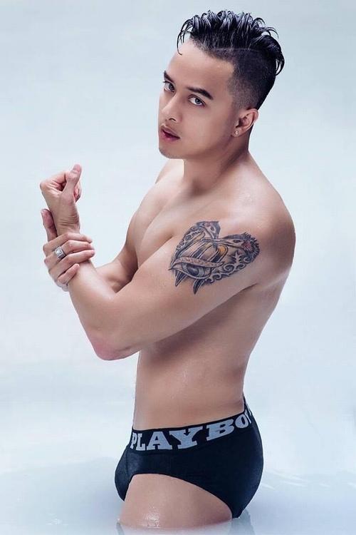 """Cao Thái Sơn tung hình """"nóng"""" sau lệnh cấm ảnh nude dỡ bỏ - 1"""