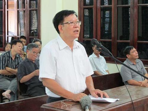 Ông Lương Ngọc Phi tại phiên tòa giải quyết việc bồi thường cho mình (Ảnh: Dân Việt)