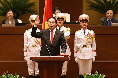 hai-phuong-an-nghi-le-tuyen-the-nham-chuc-cua-lanh-dao-cap-cao