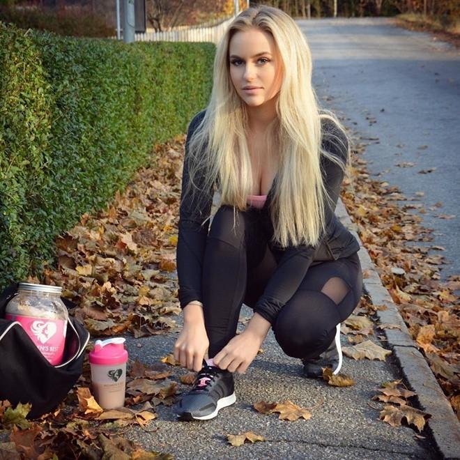 Hot girl the hinh thu hut 2,7 trieu fan tren Instagram hinh anh 5