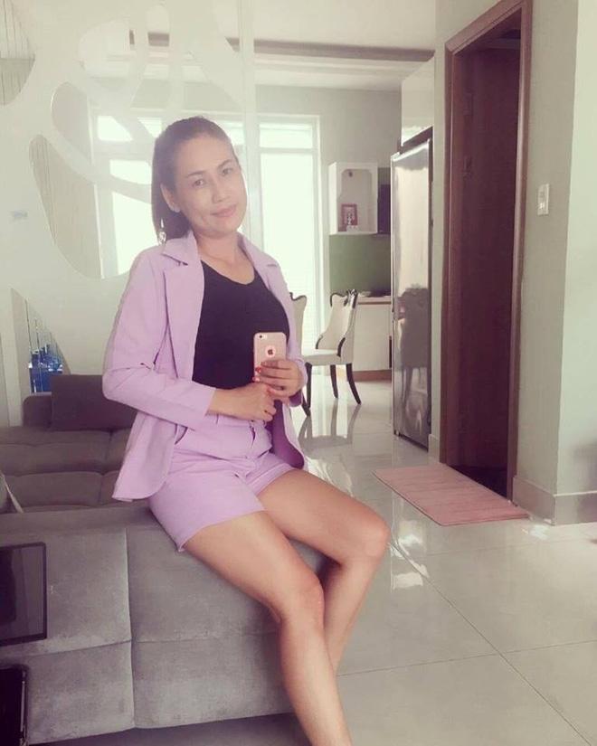 Hot girl Thúy Vi: Mẹ nghỉ làm, sống bằng tiền con gái lo - Ảnh 2.