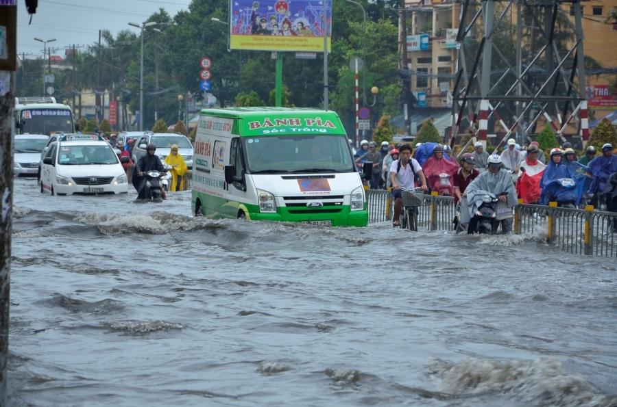 Kẹt xe, ngập lụt là nỗi ám ảnh của người dân TP