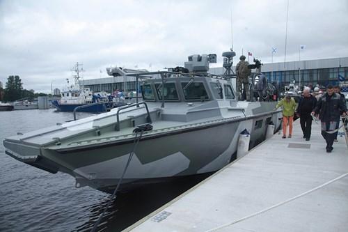 Kalashnikov cấp tàu đổ bộ thửa riêng cho đặc nhiệm Nga - ảnh 1
