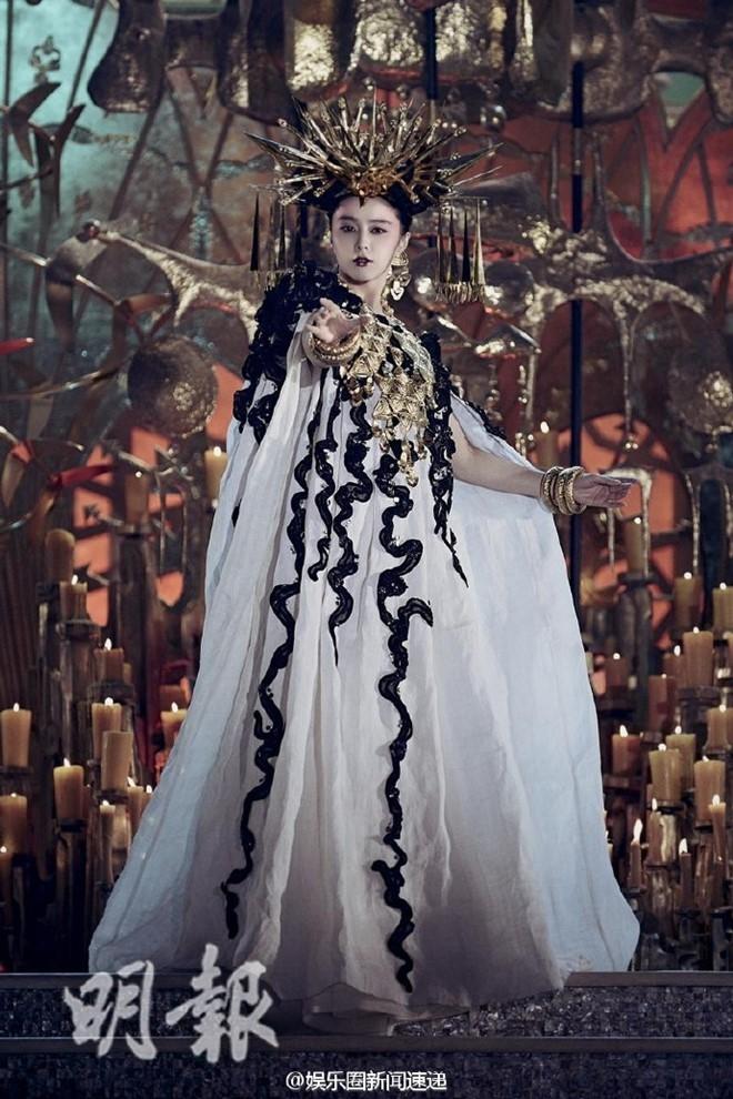 Phim cua Ly Lien Kiet, Pham Bang Bang: Yeu vo, thua ky xao hinh anh 4