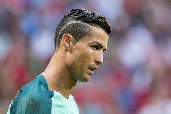 Vi sao Messi se khong bao gio bang Ronaldo hinh anh 3