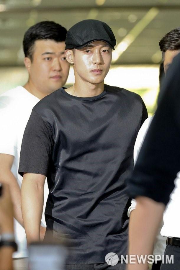 Fan ung ho Kim Hyun Joong khi hau toa hinh anh 2