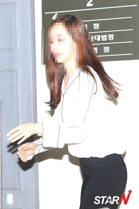 Fan ung ho Kim Hyun Joong khi hau toa hinh anh 5