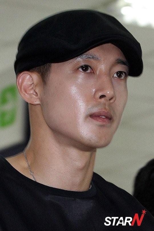 Fan ung ho Kim Hyun Joong khi hau toa hinh anh 7