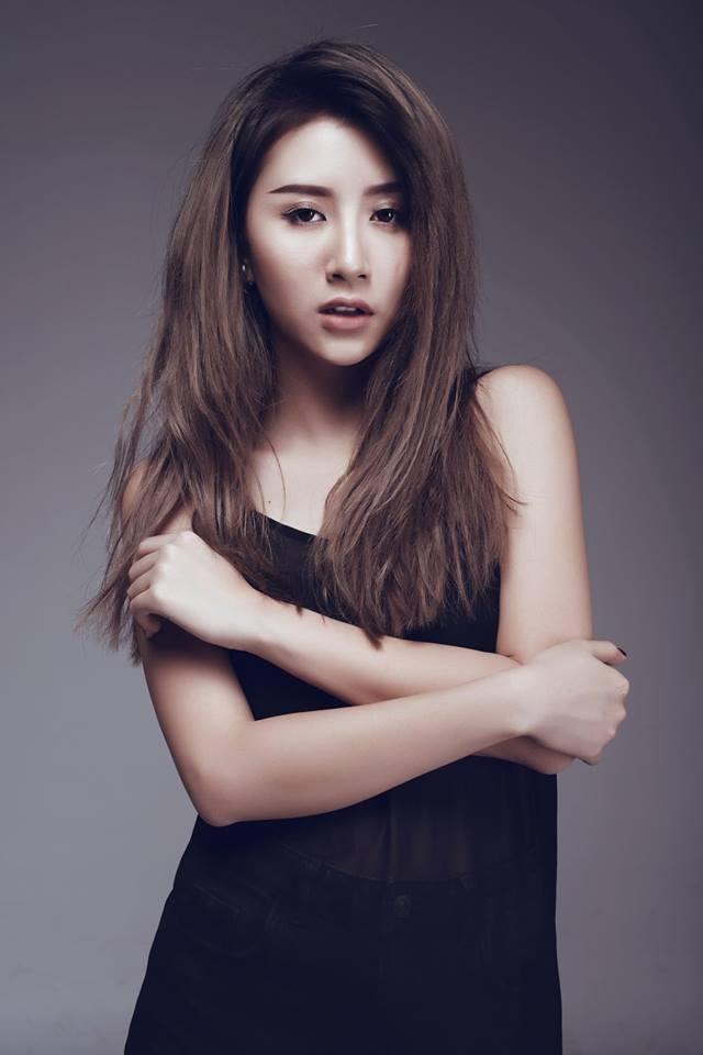 Quỳnh Anh Shyn giờ cũng đã khác: ăn mặc trang điểm gợi cảm, tạo dáng sexy trưởng thành - Ảnh 6.