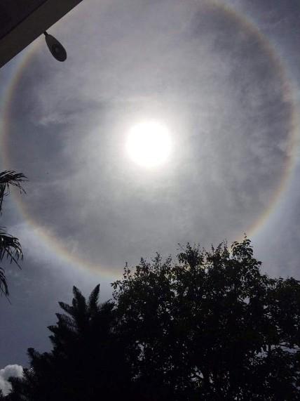 """Xuất hiện vầng sáng lạ """"ôm"""" trọn mặt trời ở Điện Biên - 2"""