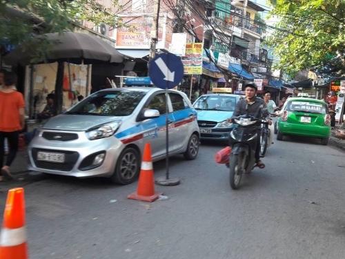 BV Nhi Trung ương: Tiết lộ sốc giá bán 'lốt' cho taxi ABC độc quyền - Ảnh 8