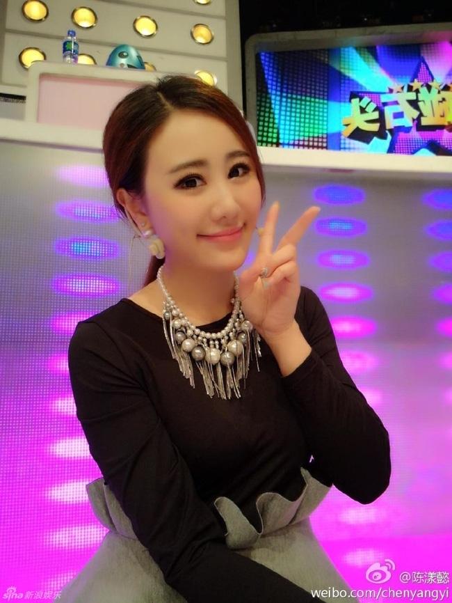 Danh sách bạn gái dài dằng dặc của thiếu gia giàu nhất Trung Quốc - Ảnh 21.