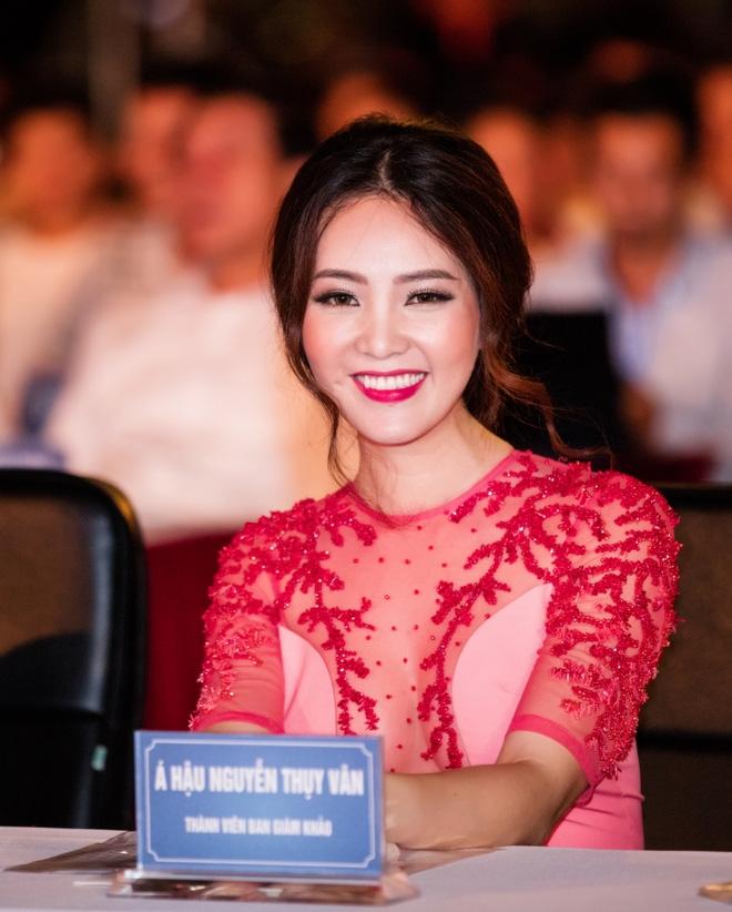 Á hậu Thuỵ Vân quá sexy  - Ảnh 11.