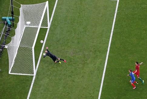 Griezmann: 'Ronaldo xem như đã giành Quả bóng vàng' - ảnh 3