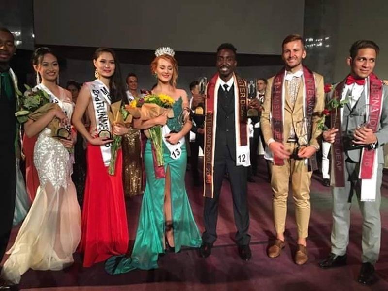 Giải Hoa hậu thuộc về đại diện đến từ Ba Lan, ngôi vị Á hậu 1 thuộc về đại diện Mông Cổ. Ngôi vị Á hậu 2 thuộc về đại diện Việt Nam (váy trắng). Giải Nam vương thuộc về thí sinh người Kenya, Á vương 1: Đại diện đến từ Romania và Á vương 2 đến từ Colombia.