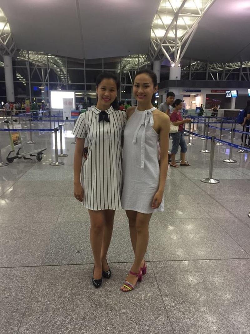 Đây là năm thứ hai Việt Nam có đại diện nhan sắc tham dự cuộc thi hoa hậu Điếc mang tầm vóc quốc tế. Năm ngoái, Á khôi Việt Nam là Thúy Đoan đã tham dự cuộc thi Hoa hậu Điếc Thế giới được tổ chức tại Cộng hòa Séc và giành giải Á hậu 2. (Trong ảnh là Thúy Đoan ra sân bay tiễn Lan Anh đi thi).