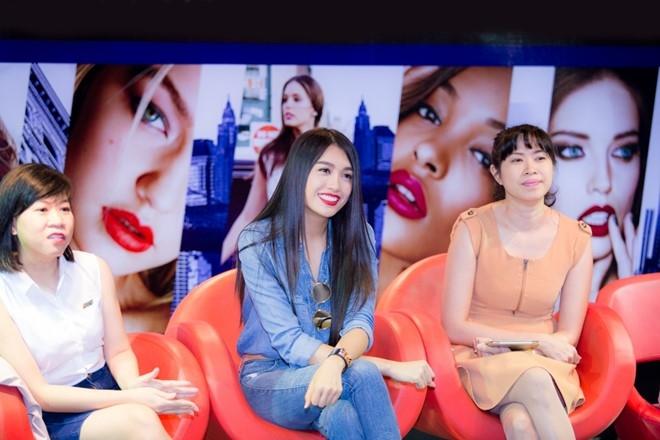 Le Hang ke chuyen bi mat vay khi thi Hoa hau Hoan vu 2015 hinh anh 2