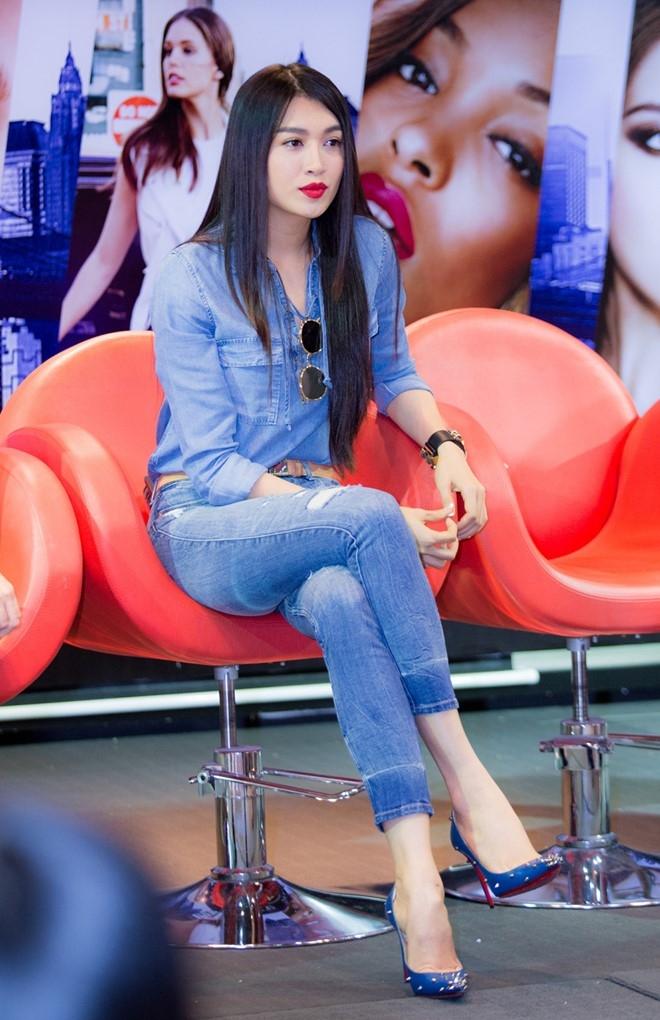 Le Hang ke chuyen bi mat vay khi thi Hoa hau Hoan vu 2015 hinh anh 4