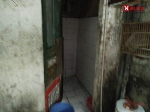 Ngôi nhà 10m2, 10 người ở và chuyện ăn ngủ, đi vệ sinh phải canh giờ - Ảnh 7