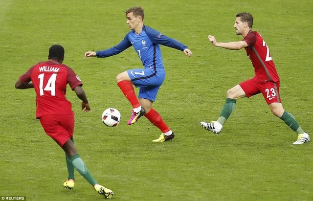 Griezmann luôn bị các cầu thủ Bồ Đào Nha chăm sóc chặt chẽ