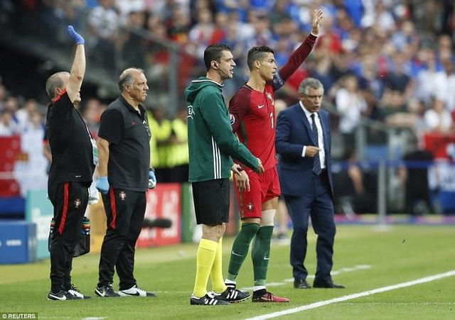 Ngôi sao Real Madrid cố gắng trở lại sân sau khi bị đau lần đầu tiên