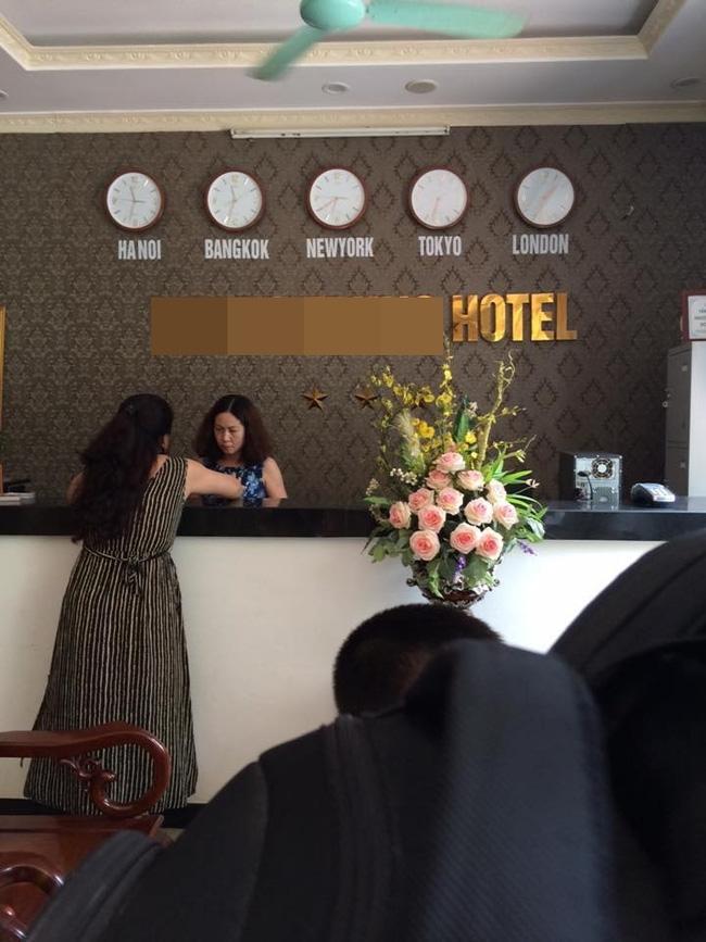 Phạt khách sạn đuổi khách 36 triệu đồng vì tự ý treo biển 3 sao, không niêm yết giá phòng - Ảnh 1.