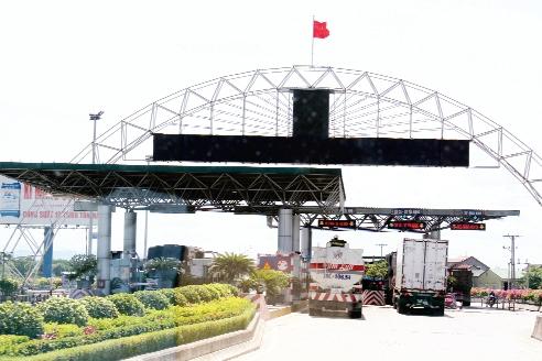 Trạm Cầu Bến Thủy là một trong những trạm BOT trên QL1 nằm trong diện kiến nghị giảm phí của Bộ Tài chính. Ảnh C.T