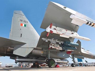 Ấn Độ bán máy bay chiến đấu, tên lửa và nâng cấp tàu chiến cho Việt Nam