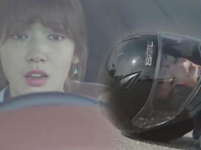 """Doctors"": Ji Soo gặp tai nạn xe ngay trong buổi hẹn hò với Park Shin Hye"