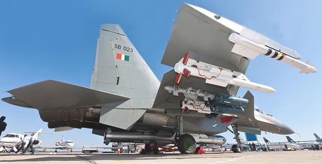 Ấn Độ bán máy bay chiến đấu, tên lửa và nâng cấp tàu chiến cho VN