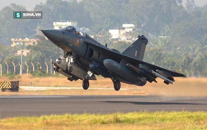 Ấn Độ bán máy bay chiến đấu, tên lửa và nâng cấp tàu chiến cho VN - Ảnh 1.
