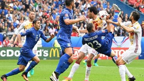 Chien thuat Euro 2016 Thoi cua sieu thuc dung hinh anh goc