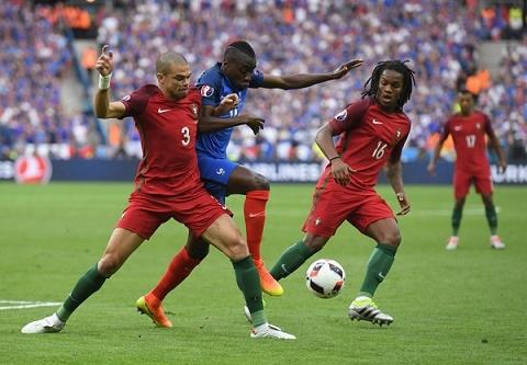 Chien thuat Euro 2016 Thoi cua sieu thuc dung hinh anh