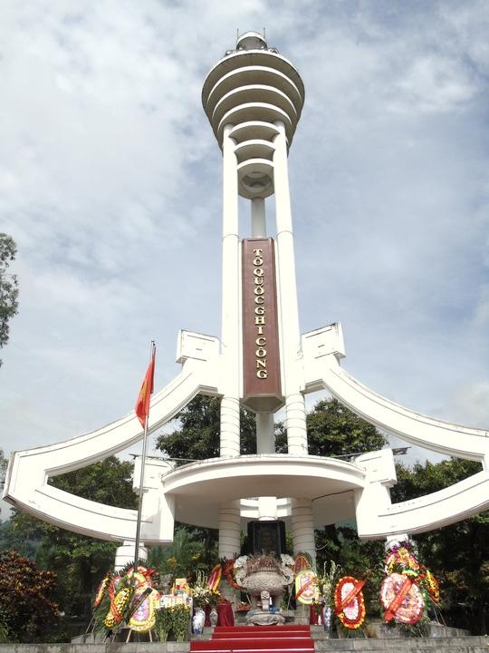 Tượng đài nghĩa trang liệt sĩ Vị Xuyên, Hà Giang
