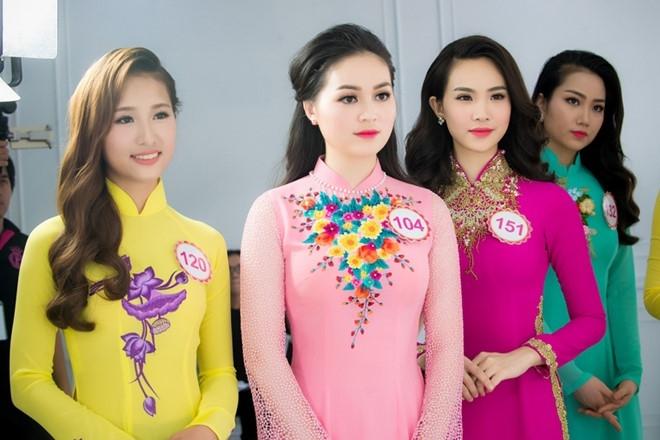 Hau truong chup bikini cua top 32 Hoa hau Viet Nam mien Bac hinh anh 9