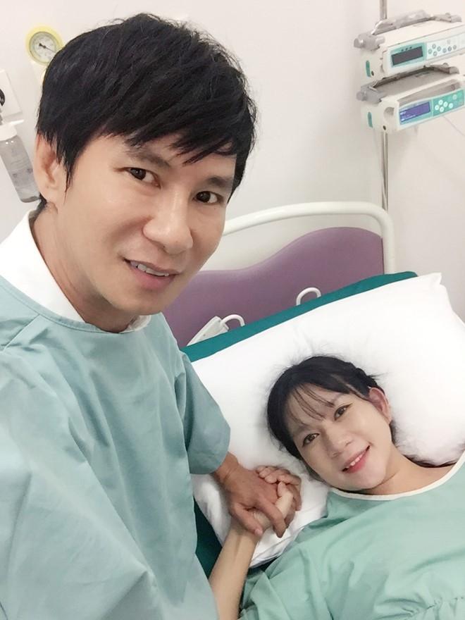 Ly Hai - Minh Ha hanh phuc ben con trai thu 4 vua chao doi hinh anh 11