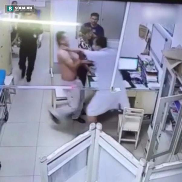 Phiền lòng chuyện bác sĩ và bệnh nhân đánh nhau ngay trong viện - Ảnh 2.