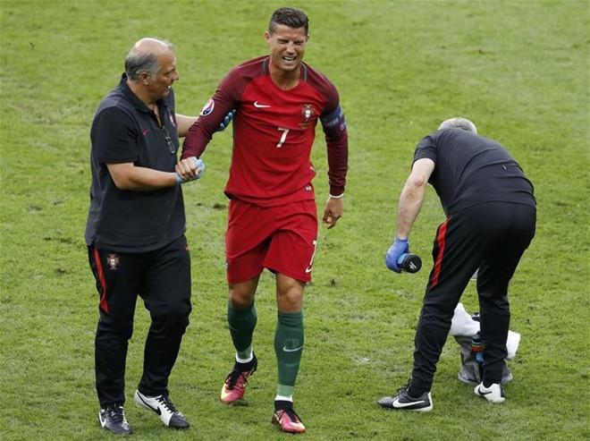 Tuong lai Ronaldo: Vi dai hon hay... dung lai? hinh anh 1
