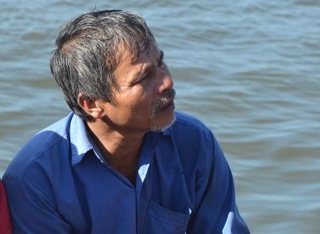 Thuyền trưởng Võ Văn Lựu vẫn còn thẫn thờ sau khi bị tàu Trung Quốc tông chìm.