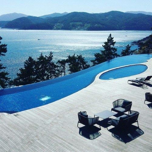 Bae Yong Joon chi 200 triệu cho một đêm ở khách sạn với vợ cưng 2