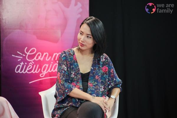 Để con nổi tiếng sớm, nên hay không? - Talkshow bùng nổ nhiều tranh cãi giữa Thùy Minh & Liên Trịnh - Ảnh 1.