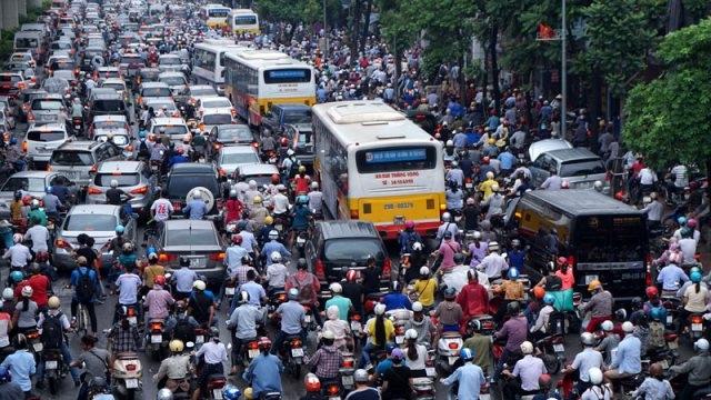 Dòng xe kẹt cứng tại đường Nguyễn Trãi. Ảnh: T.L