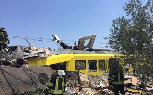 13631603_Italy_debris-large_trans++EDjTm7JpzhSGR1_8ApEWQA1vLvhkMtVb21dMmpQBfEs