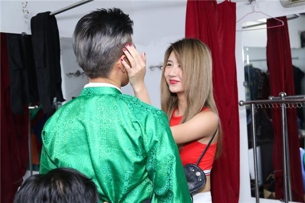 Lộ ảnh Quỳnh Anh Shyn thân mật với B Trần trong quán ăn - Ảnh 7.